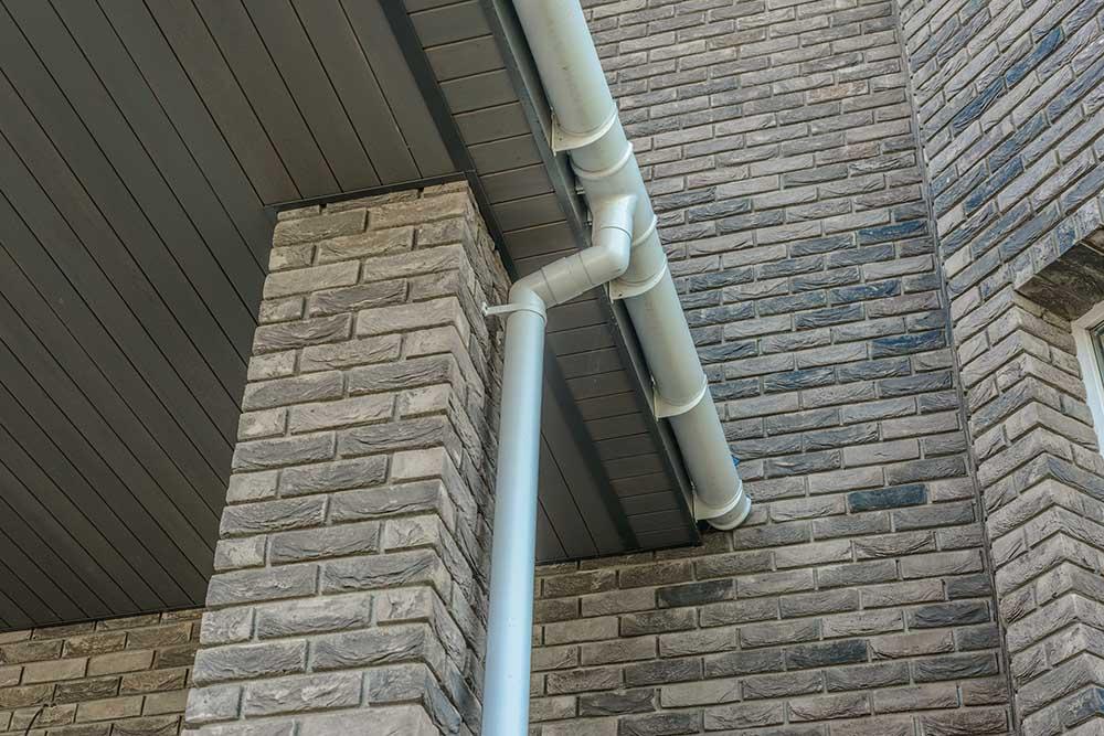 Строительная комплектация, водосточная система, пластиковый водосток, пластиковый водосток купить, пластиковый водосток цена, водостоки для крыши, водостоки для крыши цена, водостоки для крыши пластиковые